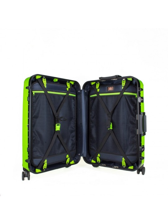"Aviator 4 26"" (Free Toiletry Kit)"